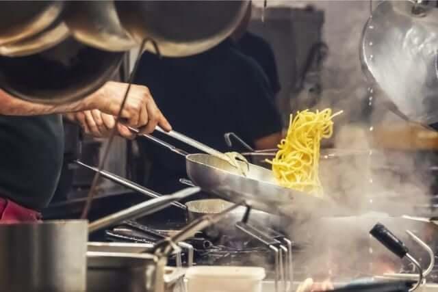 キャバクラのキッチンスタッフがオススメな理由を徹底解説!