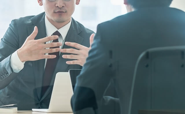 インタビューコンテンツで実際に働いているスタッフの声をチェック!